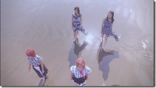 C-ute in Summer Wind (90)