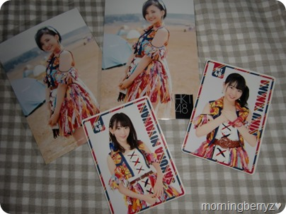 HKT48 74 Okubun no 1 no Kimi e external photo extras & randomly inserted pocked sized calendars...