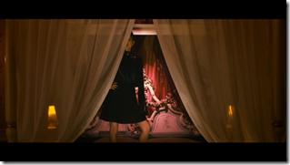 Maeda Atsuko in Selfish MV (10)