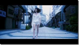 Maeda Atsuko in Selfish MV (23)