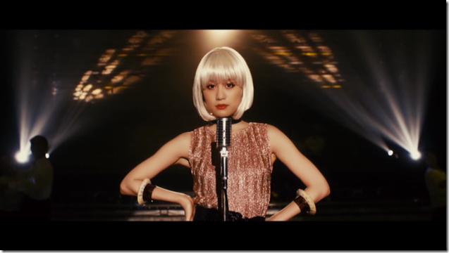 Maeda Atsuko in Selfish MV (28)