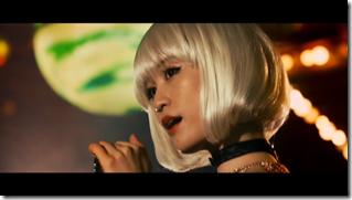 Maeda Atsuko in Selfish MV (6)