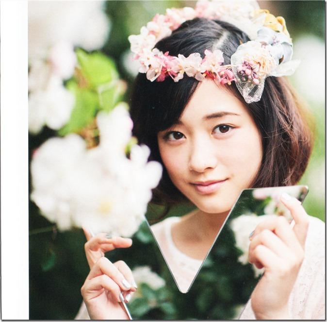 Ohara Sakurako V LE lyric & liner notes booklet (9)