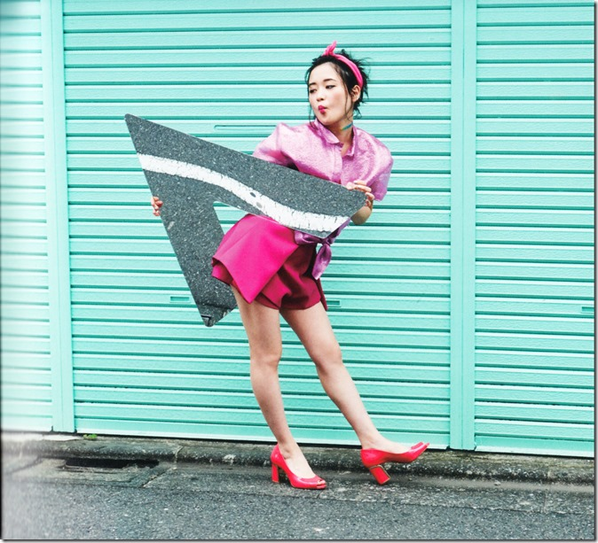 Ohara Sakurako V Limited Edition 64p booklet (15)