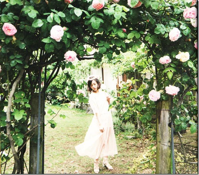 Ohara Sakurako V Limited Edition 64p booklet (7)