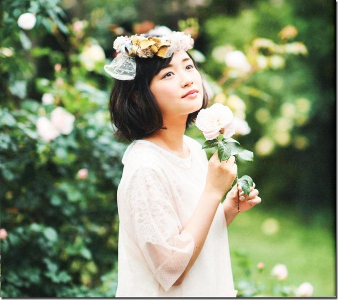 Ohara Sakurako V Limited Edition 64p booklet (8)