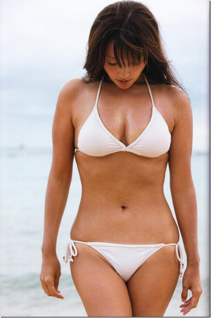 Fukada Kyoko AKUA shashinshuu (135)
