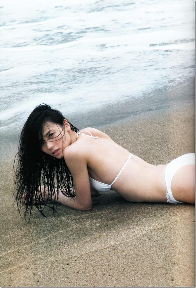 矢島舞美写真集ひとりの季節 (16)