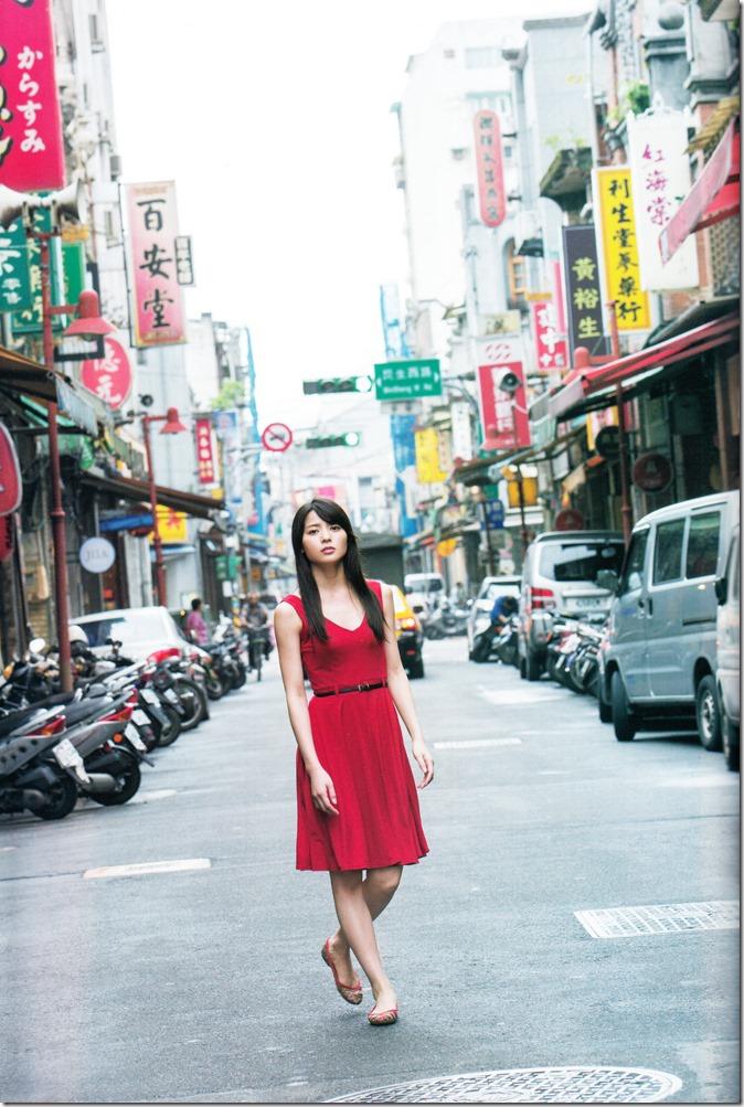 矢島舞美写真集ひとりの季節 (22)