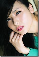 矢島舞美写真集ひとりの季節 (26)