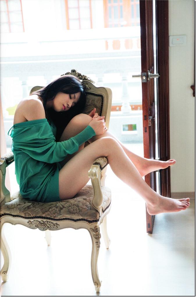 矢島舞美写真集ひとりの季節 (27)
