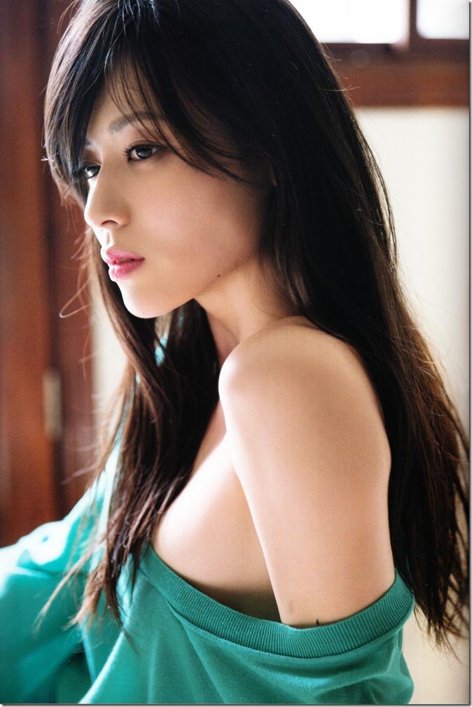 矢島舞美写真集ひとりの季節 (28)