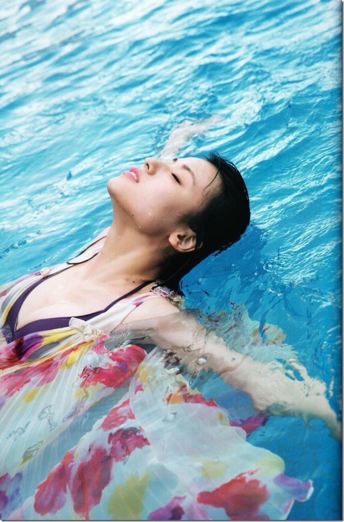矢島舞美写真集ひとりの季節 (48)