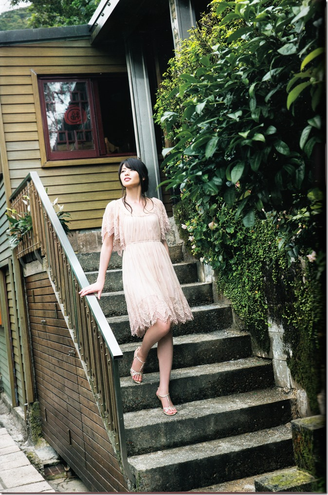 矢島舞美写真集ひとりの季節 (56)