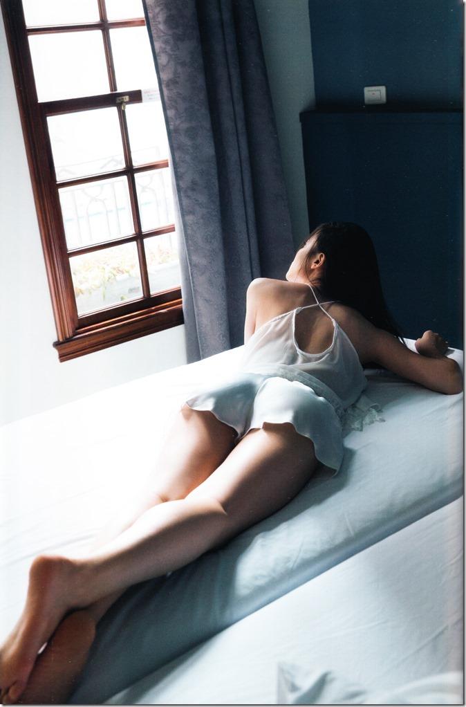 矢島舞美写真集ひとりの季節 (72)