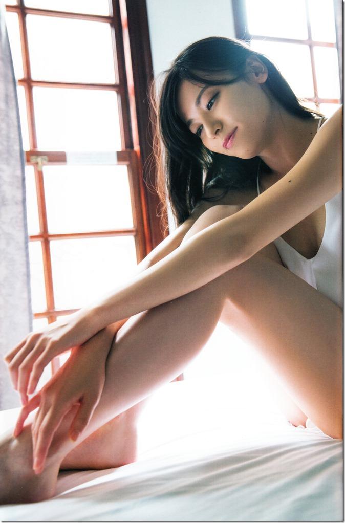 矢島舞美写真集ひとりの季節 (77)