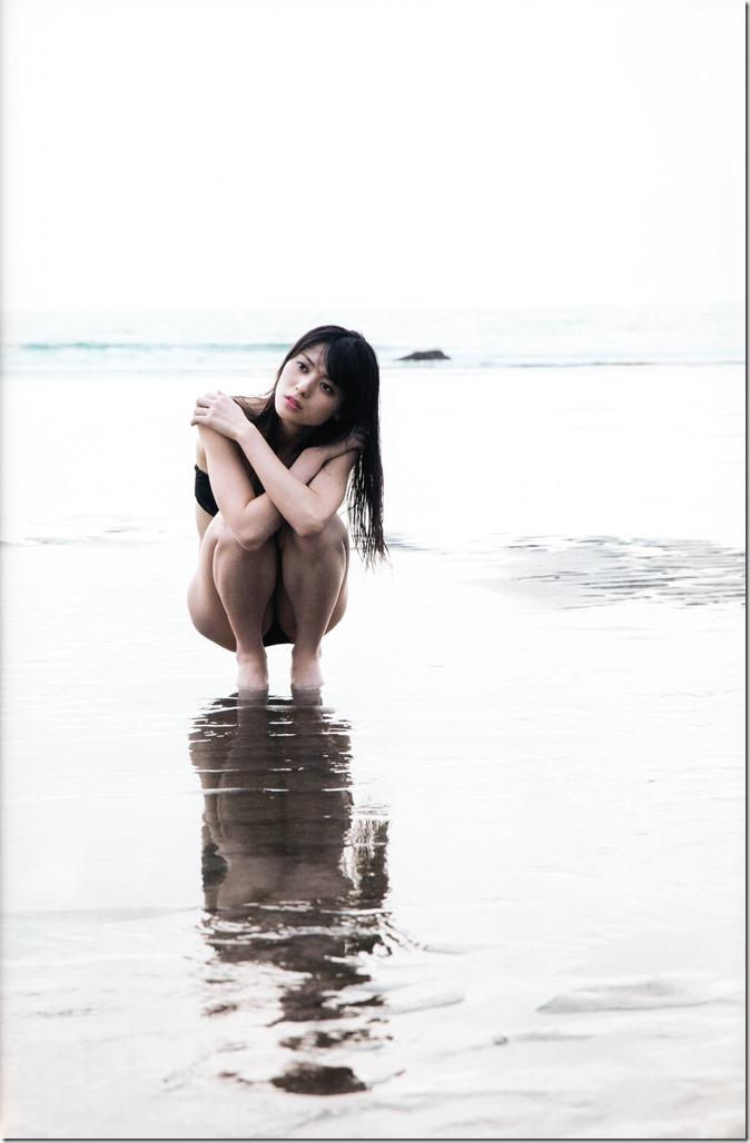 矢島舞美写真集ひとりの季節 (80)