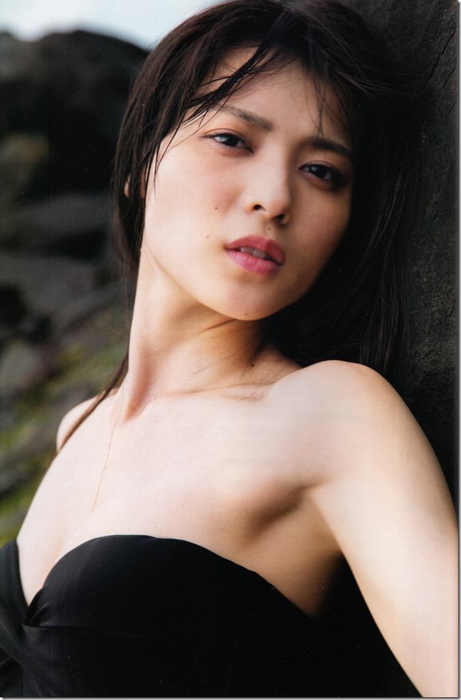 矢島舞美写真集ひとりの季節 (81)