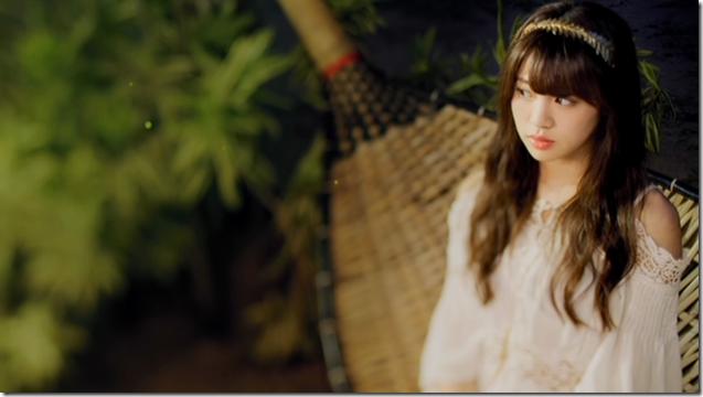Shida Summer x Arai Summer in Annani sukidatta summer mv (21)