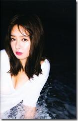 Yamada Nana shashinshuu nanairo (48)