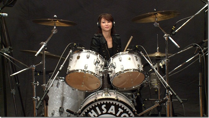 Moritaka Chisato on drums..